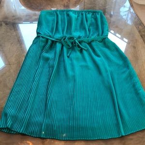 Beautiful Emerald Strapless Top